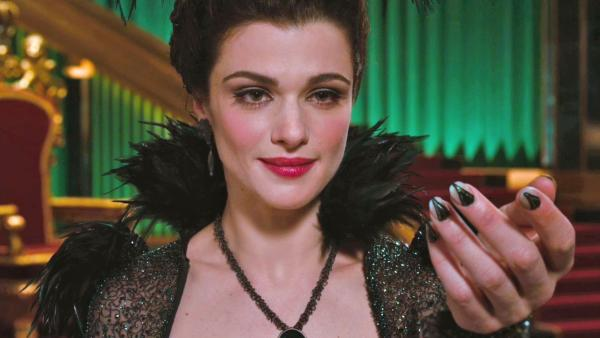 Rachel-Weisz-as-Evanora-oz-the-great-and-powerful