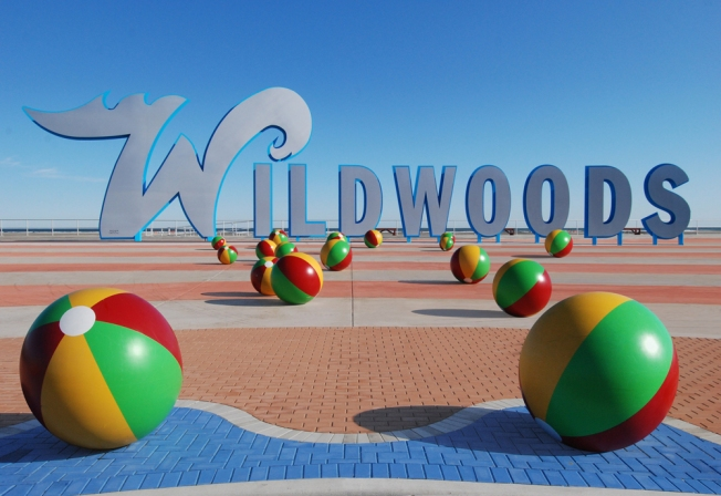 wildwood-sign-beach-balls